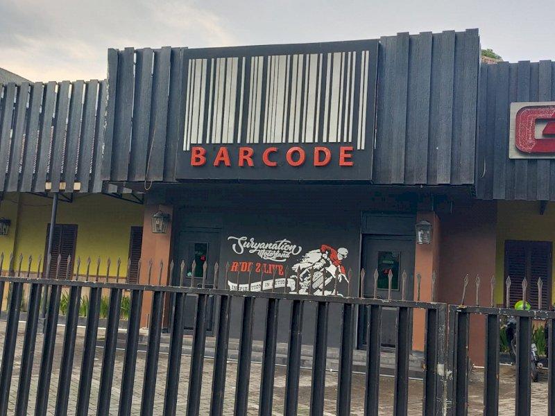 Cafe Barcode di Jalan Amanagappa yang diduga menjual Minol.