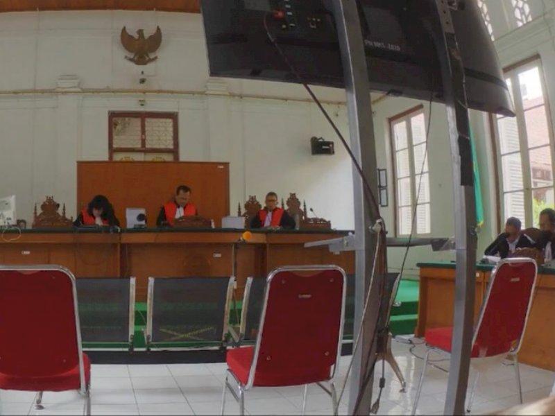 Sidang pembacaan Eksepsi Kasus Kredit Fiktif Perbankan Rp 25 Miliar di Pengadilan Negeri Makassar (ist)